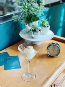 Coppa ricotta sarda, mandorle salate, miele di cardo